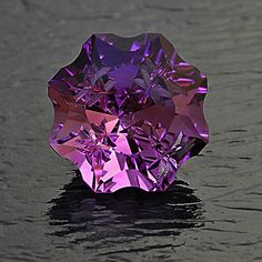 "Amethyst ""Stellar""™ Cut by Andrew Gulij - Gemfix Minerals And Gemstones, Crystals Minerals, Rocks And Minerals, Stones And Crystals, Gem Stones, Beautiful Rocks, Rocks And Gems, Gemstone Jewelry, Fossils"