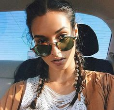 Image uploaded by Sophia. Find images and videos about girl, fashion and style on We Heart It - the app to get lost in what you love. Round Sunglasses, Mirrored Sunglasses, Sunglasses Women, Coconut Oil Tanning, Destroy What Destroys You, Gizele Oliveira, Girls Rules, Organic Coconut Oil, Hipster Fashion