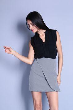 V-Neck Pocket Top (Black) SGD$ 28.00