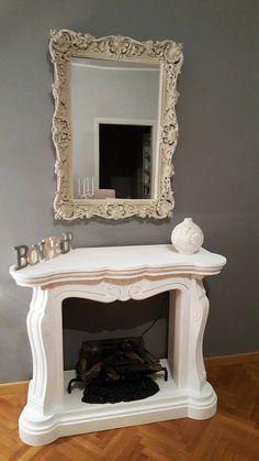 finto camino decorativo modello Luigi XV con caminetto elettrico ad acqua. Disponibile su www.materik.it