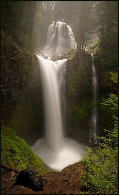 Falls Creek Falls - Pouring the Milk, Washington