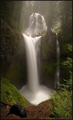 Falls Creek Falls - Pouring the Milk, Washington