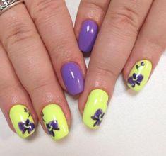 Nail Art magnetic designs for fascinating ladies. Nail Art Design Gallery, Best Nail Art Designs, New Nail Polish, Nail Polish Colors, Two Color Nails, Stained Nails, Romantic Nails, Vacation Nails, Modern Nails