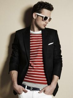 Striped T-shirt under blazer finished with white pocket square