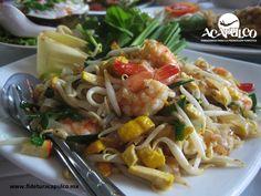 #gastronomiademexico La mejor comida tailandesa de Acapulco está en Saffron. GASTRONOMÍA DE MÉXICO. Saffron es un restaurante de comida tailandesa dentro del hotel Banyan Tree, donde encontrarás diferentes platillos como el que preparan con germen de soya, camarones y una salsa de sésamo que te encantará, pues impulsa al máximo su sabor. Si deseas obtener más información, te invitamos a visitar la página oficial de Fidetur Acapulco.
