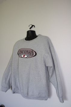 University of Wisconsin gray sweatshirt no hoodie size 2 XL   WisconsinBadgers 8eabfbcff