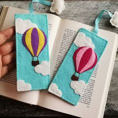Handmade Felt Home Decor and Embroidered jewelry by DusiCrafts Felt Crafts Diy, Crafts To Make, Sewing Crafts, Sewing Projects, Felt Bookmark, Bookmark Ideas, Diy Bookmarks, Corner Bookmarks, Back To School Gifts