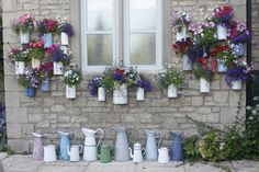 Love this idea - great way to recycle old pots & tins and make a wildlife haven even if you don't have much space #homesfornature