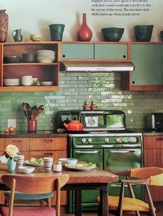Home Decor Kitchen .Home Decor Kitchen Retro Kitchen Decor, Retro Home Decor, Kitchen Interior, Kitchen Dining, Kitchen Ideas, Vintage Kitchen, Modern Retro Kitchen, Kitchen Paint, Danish Kitchen