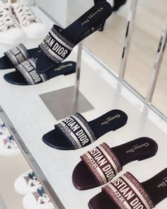 Black Box Concierge on New Needs dior . Fancy Shoes, Formal Shoes, Cute Shoes, Dior Sandals, Shoes Sandals, Heels, Dream Shoes, Luxury Shoes, Girls Shoes