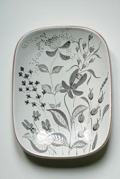 lovely design >>> Stig Lindberg dish for Gustavsberg (Sweden) by Isaiaz, via Flickr