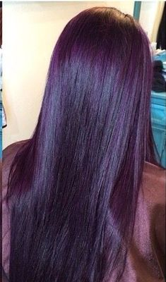 You are in the right place about short purple hair Here we offer you the most beautiful pictures abo Dark Violet Hair, Dark Purple Hair Color, Plum Hair, Burgundy Hair, Cool Hair Color, Hair Colors, Pelo Color Morado, Pelo Color Vino, Haircut And Color