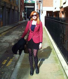 H&M Burgundy Blazer, New Look Navy Jumper, Forever 21 Black And White Chiffon Dress, Vintage Chelsea Boots