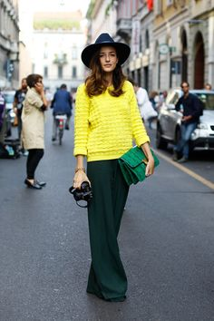 a very few can pull off this brave color combination. love it!