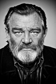 You know him from Braveheart, The Guard and Harry Potter and the Deathly Hallows - but back in Dublin he's just Brendan. Introducing one of the many famous speakers at this weekend's World Actors Forum in Dublin: Brendan Gleeson Photo Portrait, Portrait Photography, Musik Wallpaper, Brendan Gleeson, Photo Star, Celebrity Portraits, Male Portraits, Irish Men, Black And White Portraits