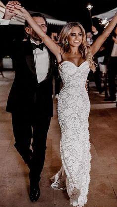 Black Wedding Dresses, Princess Wedding Dresses, Fitted Lace Wedding Dress, Black Bridesmaid Dresses, Cheap Wedding Dress, Bridal Lace, Bridal Gowns, Mermaid Wedding Gowns, Mermaid Dresses
