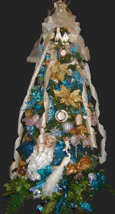 Royal Victorian Theme Christmas Tree at www.royalchristmastrees.com