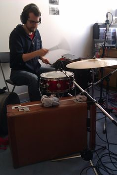 Recording Matt Brennan of Zoey Van Goey as he uses a suitcase as a kick drum.
