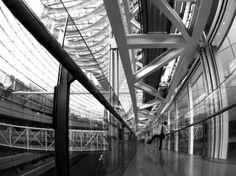PENTAX Q - 途中にて。 -  東京国際フォーラム  2014年3月東京  ハードモノクローム  モノトーン  - Camera Talk -