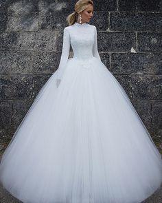 2018 White Wedding Dresses Long Sleeve High Neck Lace Tulle Ball Gown Dubai Saudi Arabia