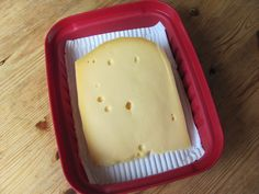 Beschuitrol papier bij kaas tegen schimmel