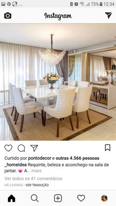 Nadire Atas on Simple and Elegant Living Areas breakfast nook make for family-friendly accommodations in the airy space. Dining Room Table Decor, Dining Table Design, Living Room Decor, Dinner Room, Luxury Dining Room, Dining Room Inspiration, Home Interior Design, Breakfast Nook, Home Decor