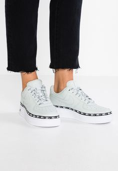 premium selection 6c46f 00bdd AIR FORCE 1  07 SE PRM - Baskets basses - light silver black white   ZALANDO .FR 🛒. Nike Sportswear ...