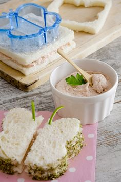 Ham, cheese and Tuna Pate sandwiches Tapas, Kids Meals, Easy Meals, Mousse, Lunch To Go, Tea Sandwiches, Cooking With Kids, Party Snacks, Snack Recipes