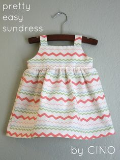 Pretty Easy Sundress Pattern at Baby girl boy kid kid Sewing Baby Clothes, Baby Sewing, Diy Clothes, Clothes Refashion, Sewing Coat, Sundress Tutorial, Sundress Pattern, Sewing Patterns Free, Dress Patterns