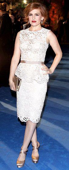 Isla Fisher went retro-glam in Dolce & Gabbana Nov. 15.