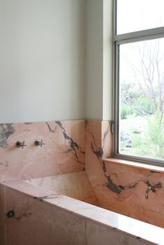 pink marble bathtub | bathroom design