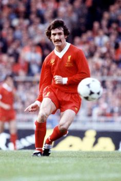 Liverpool player Terry McDermott who scored on his birthday 8th December 1978 #LFC