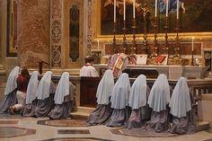 praying nuns