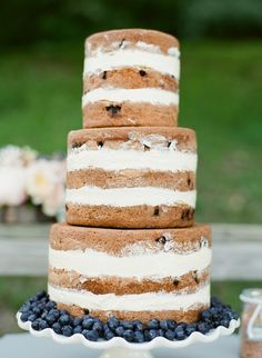 Cookies 'n cream cake.  //I'd get married all over again just for this!!