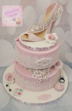 Shabby chic, lace and shoes!