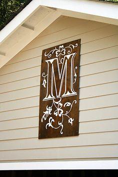 Monogrammed sign DIY by ecabonline.com