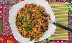 Wokad fläskfilé med nudlar, purjolök och champinjoner i kinesisk woksås. Wok, Japchae, Chili, Food And Drink, Snacks, Ethnic Recipes, Corner, Nice, Random