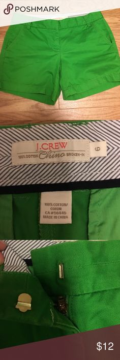 J. Crew Classic Broken-in Chino Shorts Kelly Green Gently used j. Crew chinos in a bright kelly green. Perfect for spring and summer. 5inch inseam. J. Crew Shorts