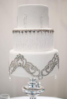 Wedding Cakes that Sparkle   Calligraphy by Jennifer