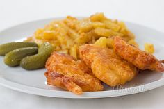 Czech Recipes, Ethnic Recipes, Chicken Wings, Poultry, Sausage, Curry, Lunch Box, Food And Drink, Menu