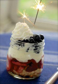 red white  blueberry-strawberry shortcake jars {4th of july recipe}