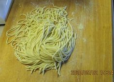 Ramen tészta készítése Ramen, Spaghetti, Ethnic Recipes, Food, Home, Essen, Yemek, Spaghetti Noodles, Windows