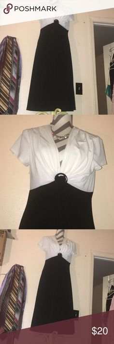 """Beautiful Black and white dress 👗 Beautiful Black and white plus sized Dress 👗 in great condition size 14 43"""" long waist 28"""" Bust 34"""" in awesome condition Dresses Midi"""