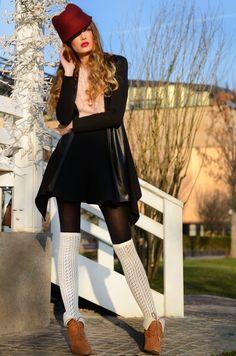 Rose quartz : #fashion #fashionblogger #makeup #pinkeyes #pink #softpink #catears #hatears #marsala #rosequartz #colours2016 #fashionista #outfit #jinglebells #winteroutfit #fairy #hat #winter #ootd Winter Ootd, Winter Outfits, Winter Fashion, Women's Fashion, Pink Eyes, Marsala, Fashion Bloggers, Romania, Rose Quartz