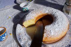 Lemon and ricotta ring cake (ciambellone di limone e ricotta)