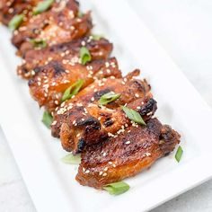 Slow Cooker Korean Chicken WingS- use kochujang not sriracha Slow Cooker Recipes, Crockpot Recipes, Cooking Recipes, Korean Chicken Wings, Chicken Wing Recipes, Appetizer Recipes, Appetizers, Dinner Recipes, Crock Pot Cooking