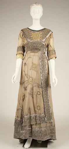 Silk & cotton afternoon dress, Metropolitan Museum of Art, Costume Institute. 1900s Fashion, Edwardian Fashion, Vintage Fashion, European Fashion, Gothic Fashion, Vintage Outfits, Vintage Gowns, Dress Vintage, Moda Vintage