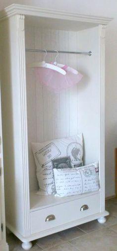 bekijk de foto van puksplace met als titel dit was een servieskast heb de deur eruit