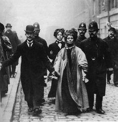 emmeline-pankhurst2.jpg (700×727)
