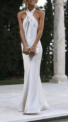 Evening Dresses are great to have for any special Occassion in your life. Chic this new in Fashion Halter Sexy Solid Halter Evening Dress for wedding. Black Girl Fashion, Look Fashion, 70s Fashion, Bridesmaid Dresses, Prom Dresses, Formal Dresses, Mode Outfits, Fashion Outfits, Look Formal